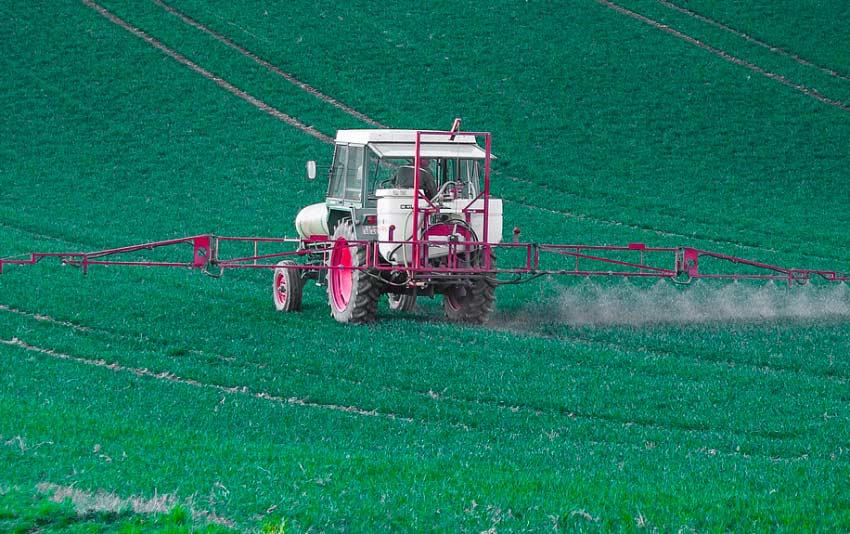 Agrotóxicos contaminam a água